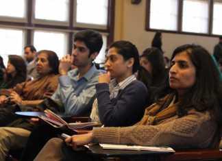 Pakistan offers scholarships to 500 Palestinians at Pakistani universities