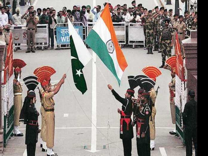 Pakistan: 450 Indians stranded in Pakistan return home