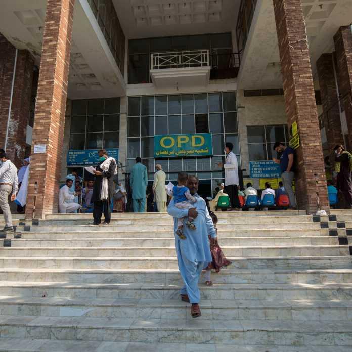 COVID-19: Pakistan's positivity rate surpasses 3%