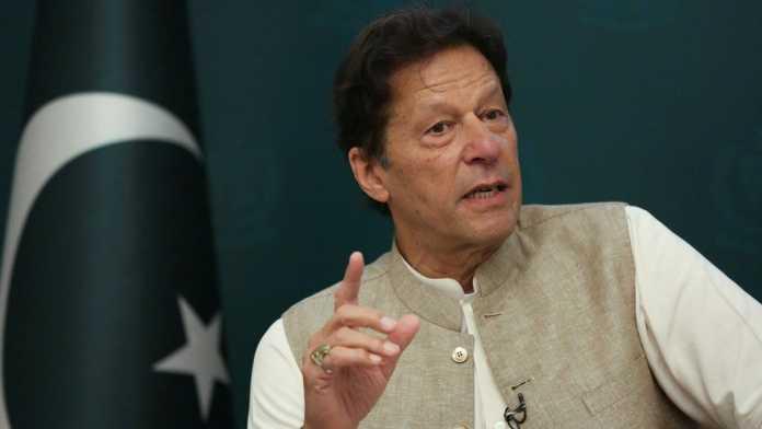 PM Khan praises China for having unique model, alternative to Western democracy