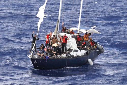 Libya arrests 2 traffickers, returns 53 to Egypt