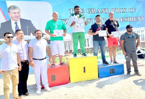 Pakistanis bag 4 gold medals in mas-wrestling